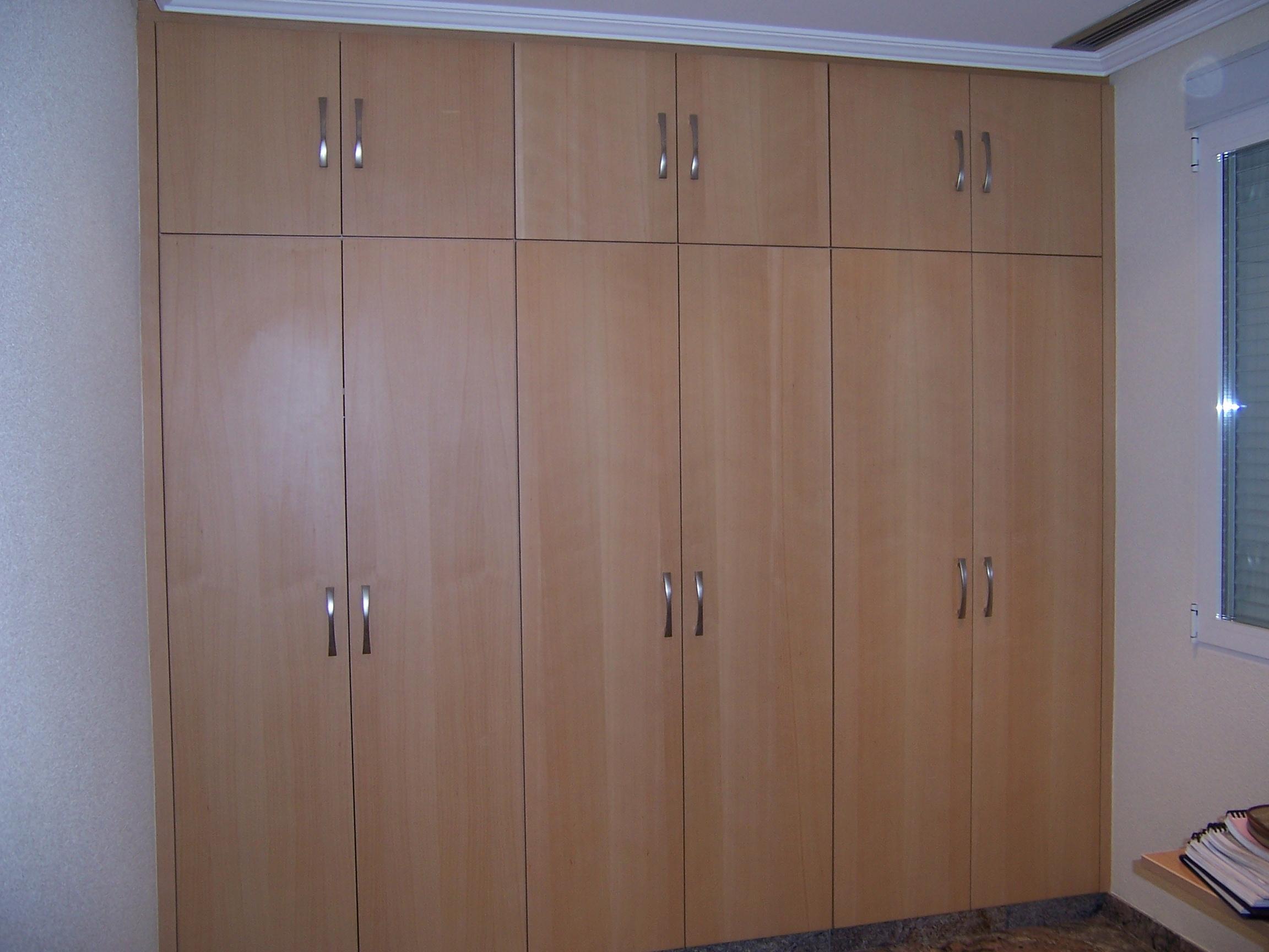 Armario ropero liso haya blanca carpinter a juan pedro - Como hacer puertas de armario ...